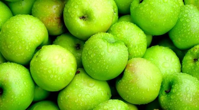 Les pommes sont-elles bonnes pour votre chien? (Vidéo)